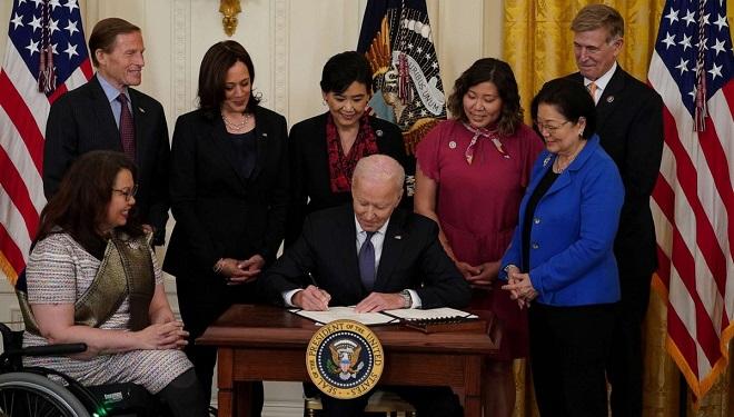 TT Joe Biden Chính Thức Ký Ban HànhLuật ChốngNạn ThùHận Người Gốc Á Tại Mỹ